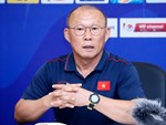 HLV Park Hang Seo bị hỏi vặn về Huy Toàn, Văn Quyết: Đừng đặt vấn đề mâu thuẫn cá nhân-4