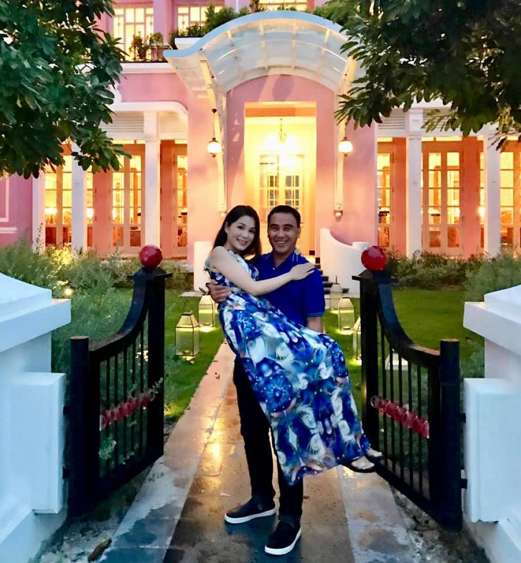 Sau tình 10 năm không thành với Á hậu, Quyền Linh hạnh phúc bên vợ doanh nhân-5