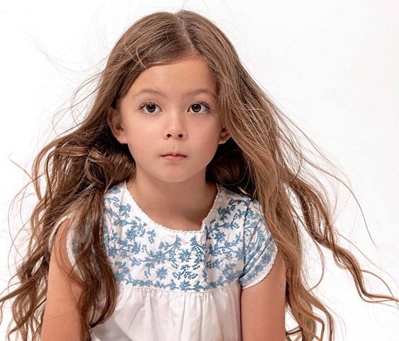 Mới 7 tuổi, con gái diva Hồng Nhung đã sở hữu nhan sắc thiên thần lai đẹp đến khó rời mắt-1