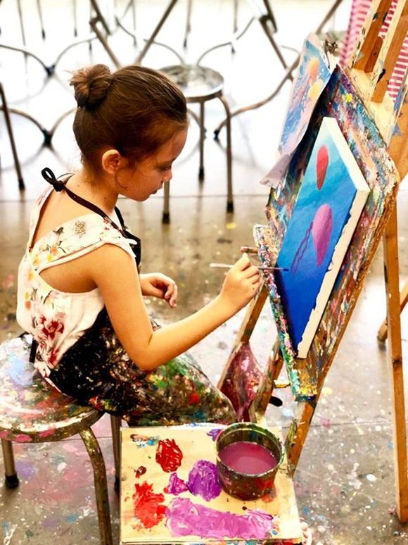 Mới 7 tuổi, con gái diva Hồng Nhung đã sở hữu nhan sắc thiên thần lai đẹp đến khó rời mắt-3