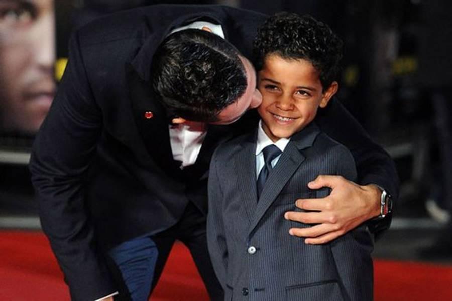 Ông bố Ronaldo nổi tiếng đào hoa, sát gái nhưng dạy con lại vô cùng chỉn chu và đáng ngưỡng mộ-3