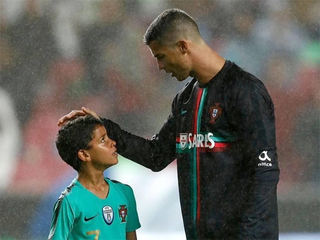 Ông bố Ronaldo nổi tiếng đào hoa, sát gái nhưng dạy con lại vô cùng chỉn chu và đáng ngưỡng mộ-4