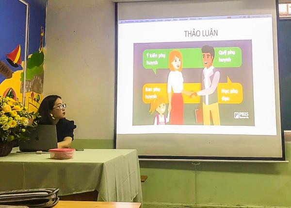 Buổi họp phụ huynh sáng tạo ở trường THPT Hồng Hà-2