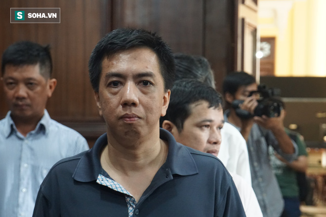 Dược sĩ Thông gục ngã giữa phiên xử, nguyên Tổng giám đốc VN Pharma tái mặt-5