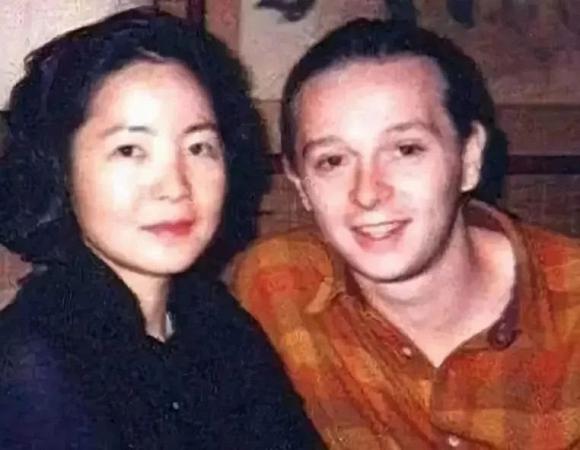 Tuyệt thế danh ca châu Á đột tử khi đang du lịch cùng bạn trai, 24 năm sau mộ phần vẫn tồn tại những câu chuyện rùng mình-8