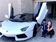 Vợ Đan Trường lái siêu xe 20 tỷ đưa con trai đi dạo