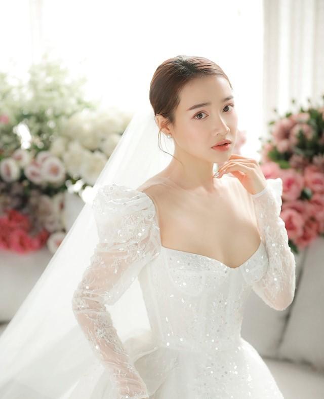 Kỷ niệm 1 năm ngày cưới, Trường Giang bất ngờ tặng Nhã Phương món quà lãng mạn như trong phim ngôn tình-2