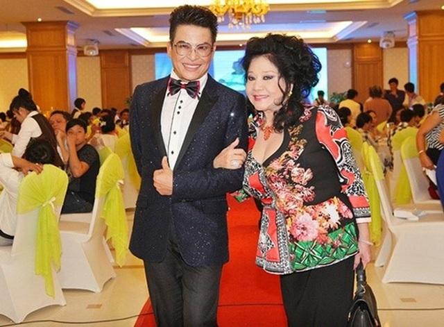 MC Thanh Bạch tiết lộ bí quyết giữ lửa tình yêu sau 9 lần cưới bà trùm Thúy Nga-2