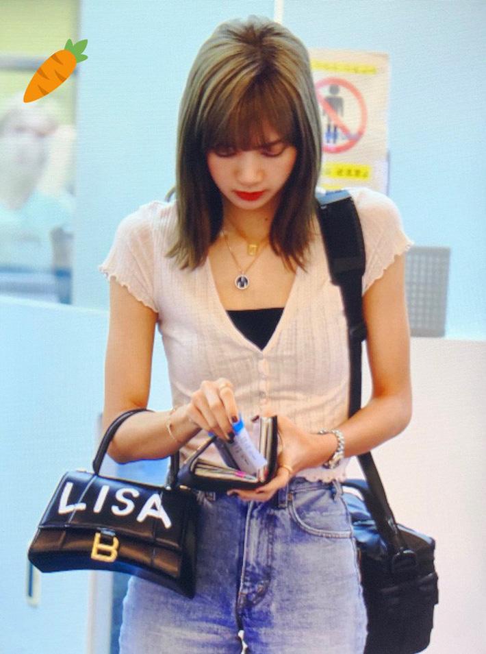 Không hổ danh thánh nữ hàng hiệu, Ngọc Trinh chi hơn 70 triệu đồng để mua túi giống Lisa (Black Pink) và Địch Lệ Nhiệt Ba-4