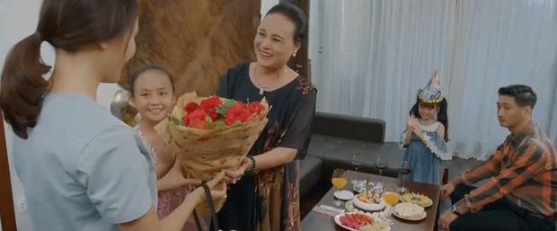 Thái (Hoa Hồng Trên Ngực Trái) phải hoãn lịch li hôn với Khuê vì 3 lí do: Chung quy cũng vì liêm sĩ với con cái!-3