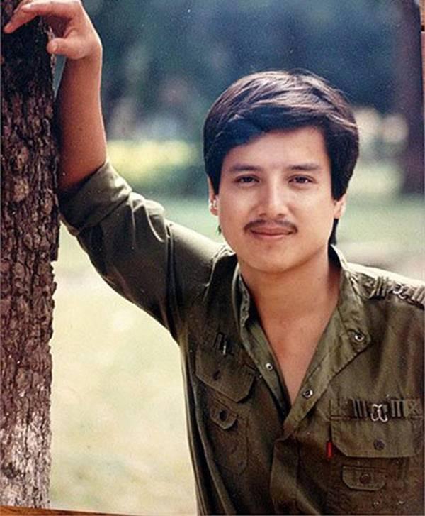 Ảnh thời trẻ của Hoài Linh và các nghệ sĩ hài-8