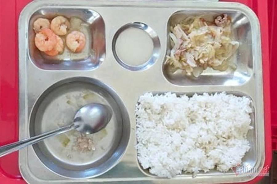 Lùm xùm suất cơm tiểu học 27.000 đồng hẻo thức ăn-1