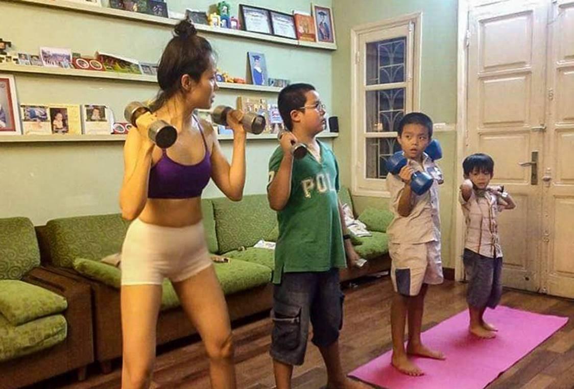 Bà mẹ Hà Nội dạy con theo kiểu nhà binh: Sáng điểm tâm nhẹ bằng 10km chạy bộ, trời rét vẫn tắm nước lạnh-2