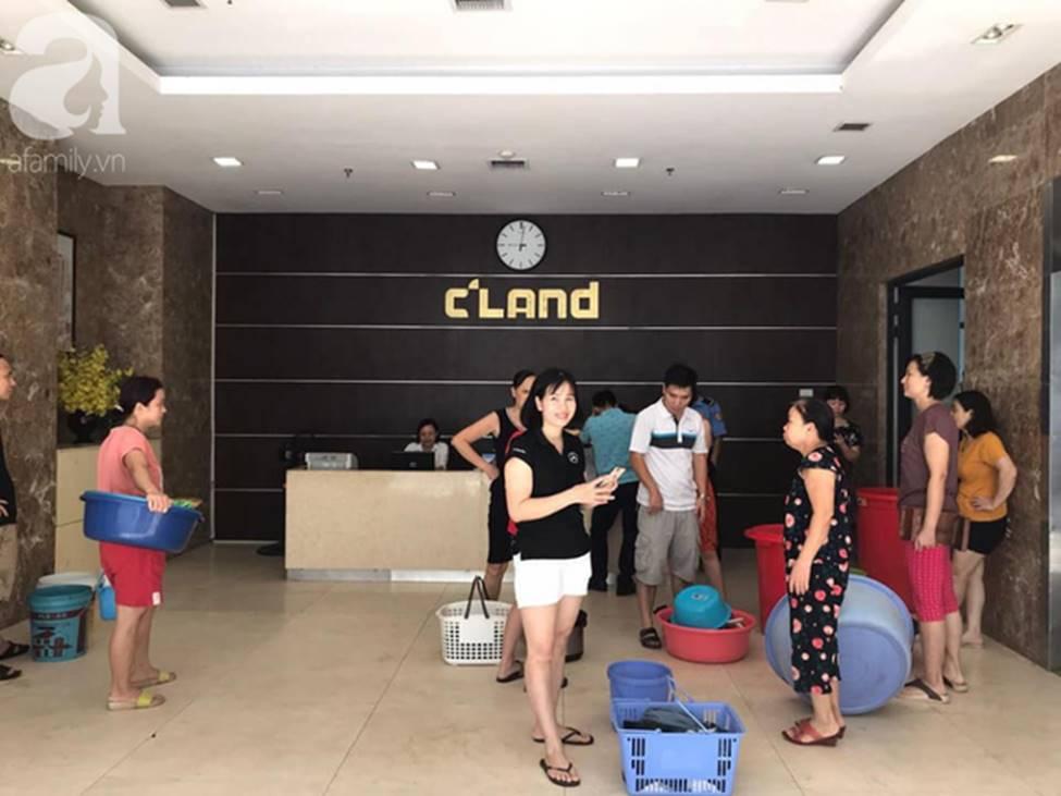 Vụ dân phải xách xô đi mua nước tại chung cư cao cấp ở Hà Nội: Chủ đầu tư cắt nước vì cư dân nợ tiền?-5