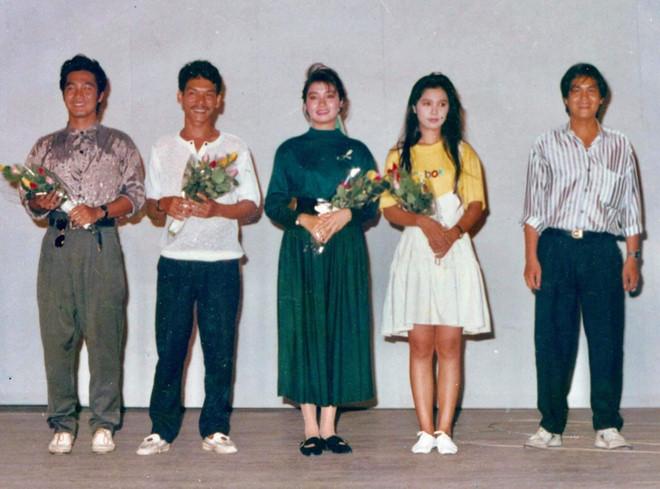 Việt Trinh đăng ảnh chụp với Lý Hùng 30 năm trước-1
