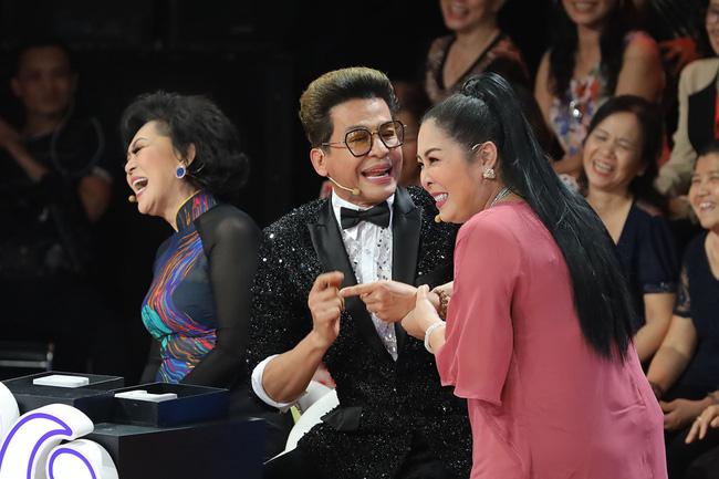 Ký ức vui vẻ: MC Lại Văn Sâm gặp sự cố khó nói, khán giả không trách mà ngược lại còn hò hét cổ vũ hết mình-2