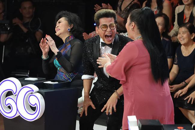 Ký ức vui vẻ: MC Lại Văn Sâm gặp sự cố khó nói, khán giả không trách mà ngược lại còn hò hét cổ vũ hết mình-3