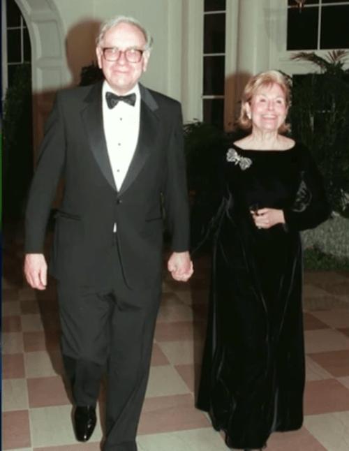 Cuộc tình oái oăm của tỷ phú 80 tỷ đô: Vợ tự dâng mỡ đến miệng mèo, chồng khẳng định cô ấy là người thầy vĩ đại nhất của tôi-2