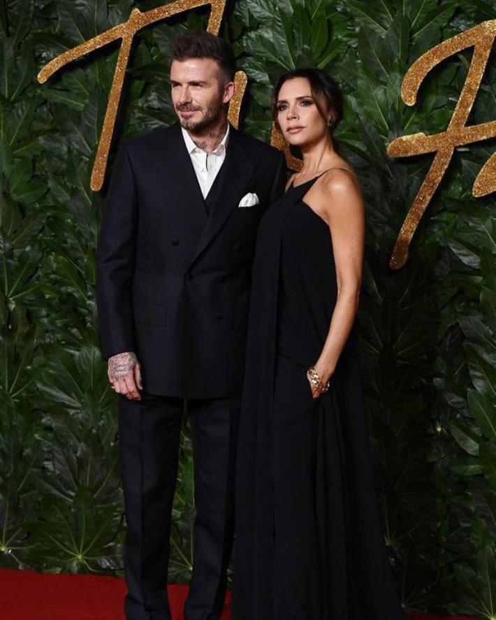 Ngoài cá hồi, Victoria Beckham còn trung thành với một loại quả giàu chất béo để duy trì làn da không tì vết-1