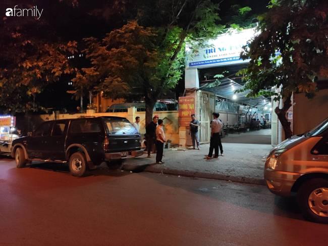 Vụ nam tài xế xe ôm công nghệ nghi bị sát hại ở Hà Nội: Người chị gào khóc trước bệnh viện chờ nhận thi thể em trai-3