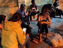 Vụ nam tài xế xe ôm công nghệ nghi bị sát hại ở Hà Nội: Người chị gào khóc trước bệnh viện chờ nhận thi thể em trai