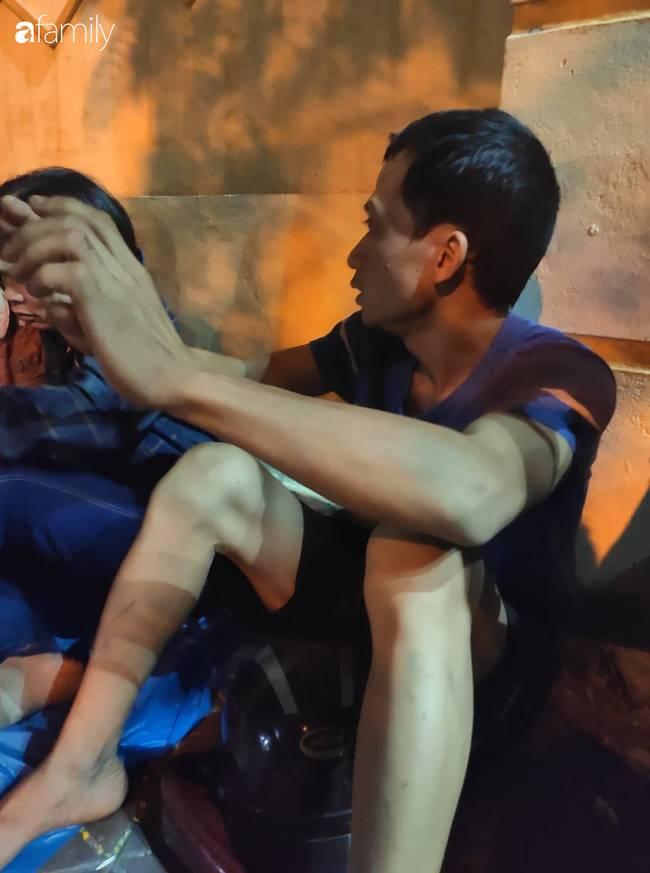 Anh trai tài xế xe ôm công nghệ nghi bị sát hại ở bãi đất hoang Hà Nội: Nhìn thấy em tôi rụng rời chân tay, em nằm úp đầu vẫn còn đội mũ-3