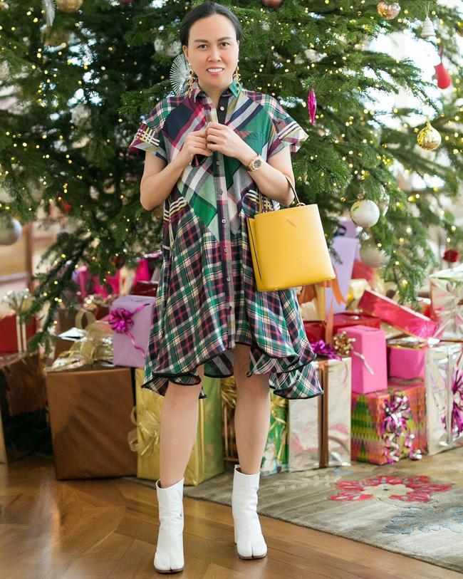 Chi nửa tỷ sắm đồ mới nhưng Phượng Chanel vẫn chẳng thay đổi phong cách tại sinh nhật Ngọc Trinh: Là tiếc đồ cũ hay còn lý do sâu xa khác?-4