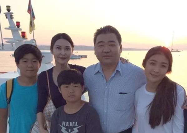 Cuộc sống sang chảnh của nữ hoàng phim cấp 3 Hong Kong sau khi giải nghệ-7