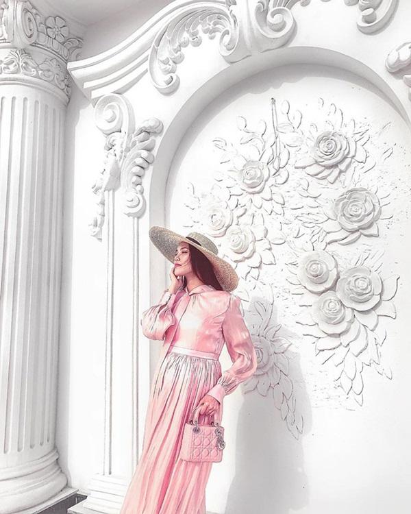 Nhận không ra bà bầu Lan Khuê trong hình ảnh đẹp như nàng thơ dù đã gần đến ngày sinh nở-2