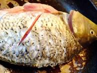 Thêm thứ nguyên liệu này, món cá chép om dưa không bao giờ bị tanh lại còn ngon hết sảy