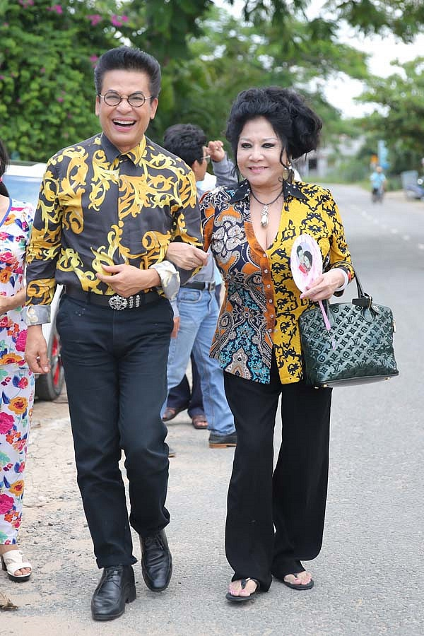 Chia tay nghệ sĩ Xuân Hương, MC Thanh Bạch tận hưởng cuộc sống như tiên, tràn ngập hạnh phúc bên vợ mới-2