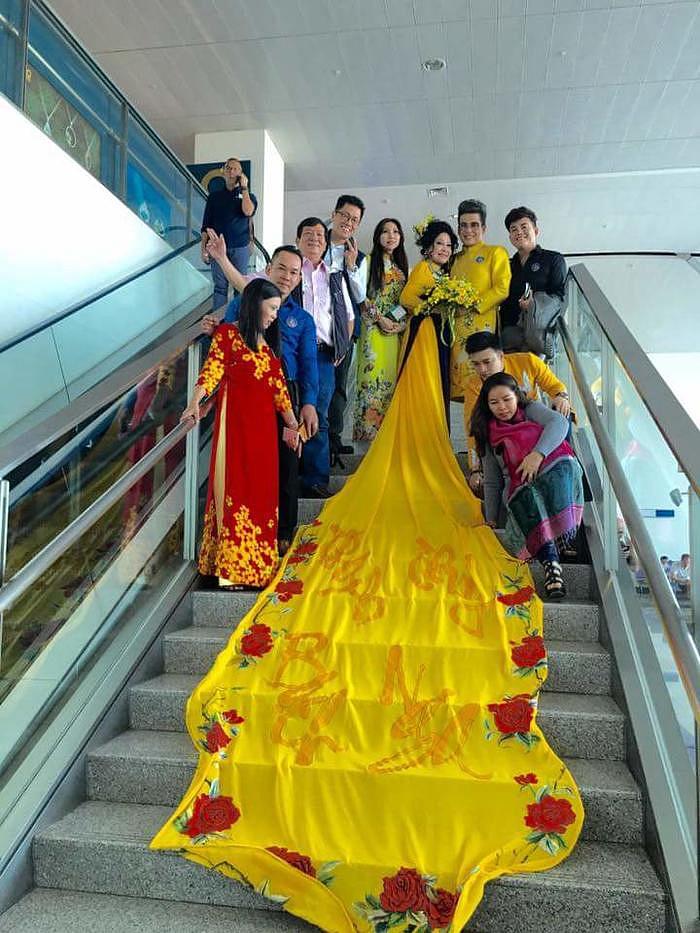 Chia tay nghệ sĩ Xuân Hương, MC Thanh Bạch tận hưởng cuộc sống như tiên, tràn ngập hạnh phúc bên vợ mới-11