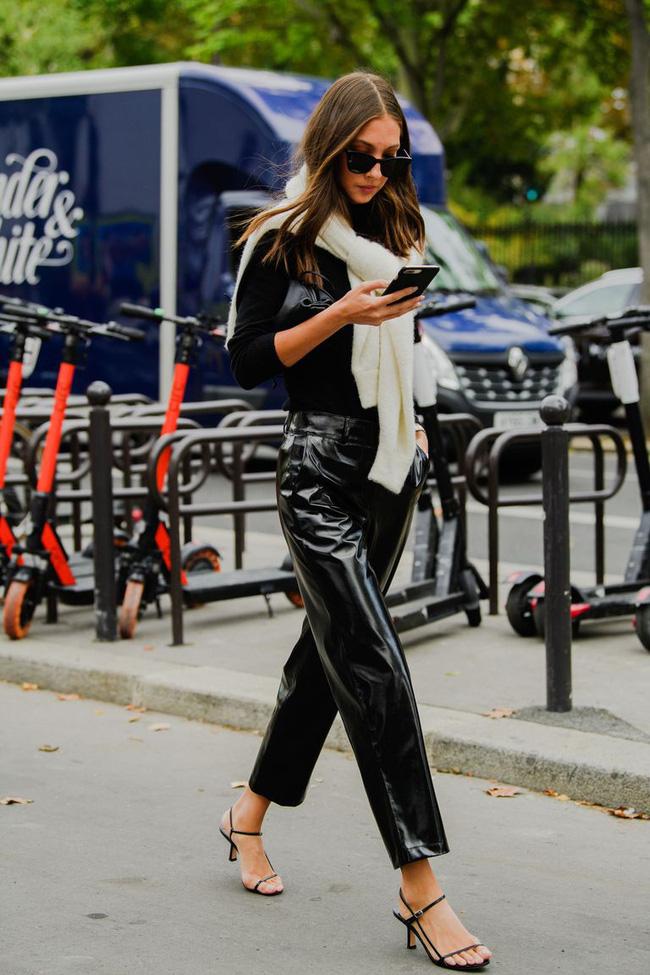 Ngắm street style tại Tuần lễ thời trang Paris, nàng công sở cũng rút ra được vô số tips mix đồ cho mùa lạnh-11