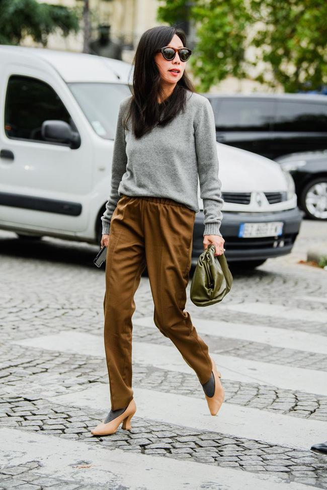 Ngắm street style tại Tuần lễ thời trang Paris, nàng công sở cũng rút ra được vô số tips mix đồ cho mùa lạnh-4