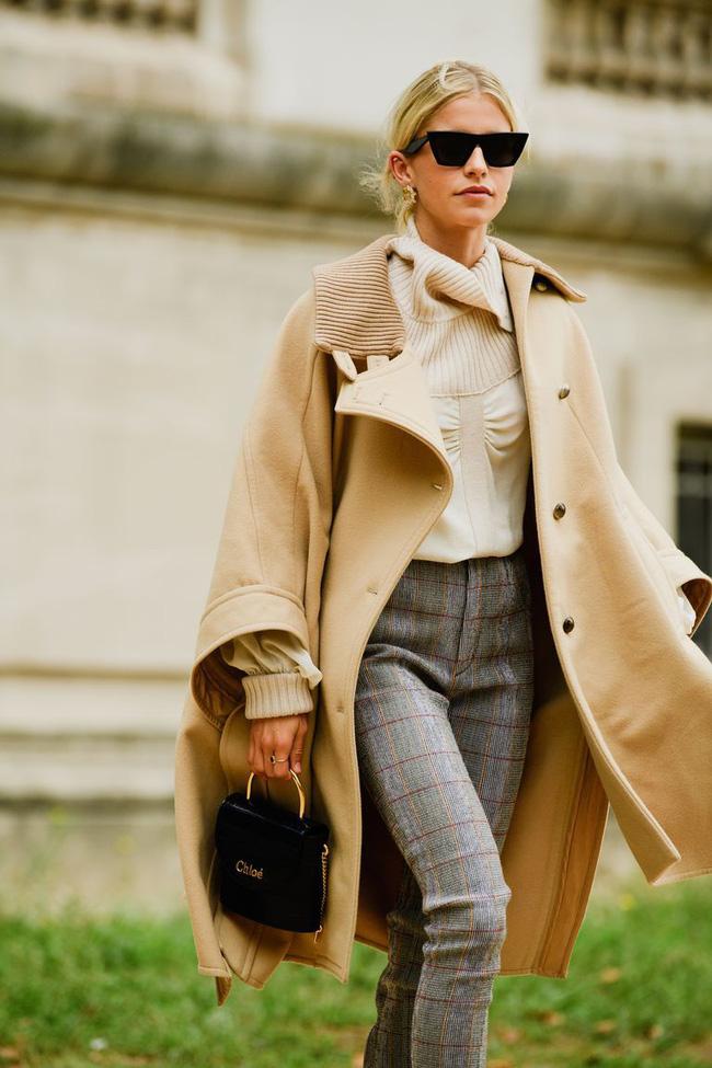 Ngắm street style tại Tuần lễ thời trang Paris, nàng công sở cũng rút ra được vô số tips mix đồ cho mùa lạnh-6