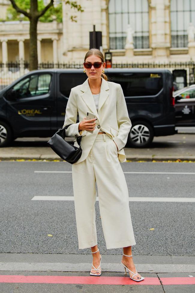 Ngắm street style tại Tuần lễ thời trang Paris, nàng công sở cũng rút ra được vô số tips mix đồ cho mùa lạnh-8