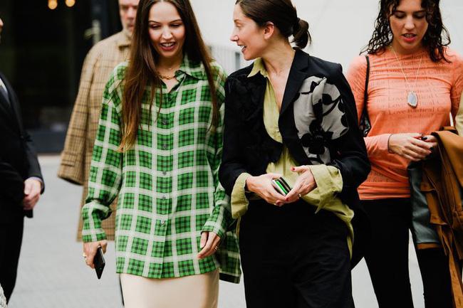 Ngắm street style tại Tuần lễ thời trang Paris, nàng công sở cũng rút ra được vô số tips mix đồ cho mùa lạnh-9