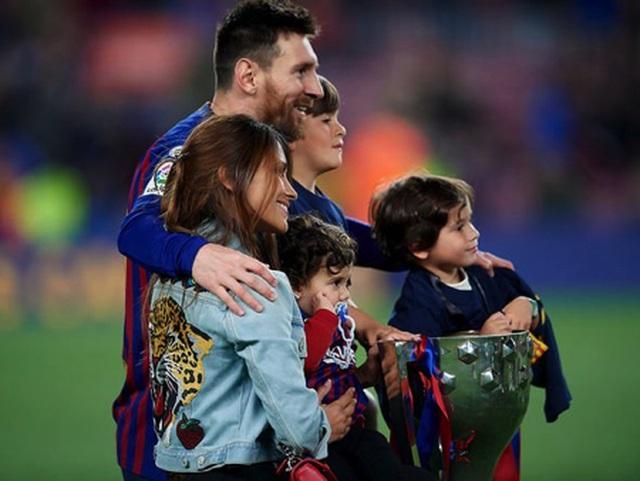 Messi khiến các cổ động viên ngưỡng mộ vì gia đình hạnh phúc-3