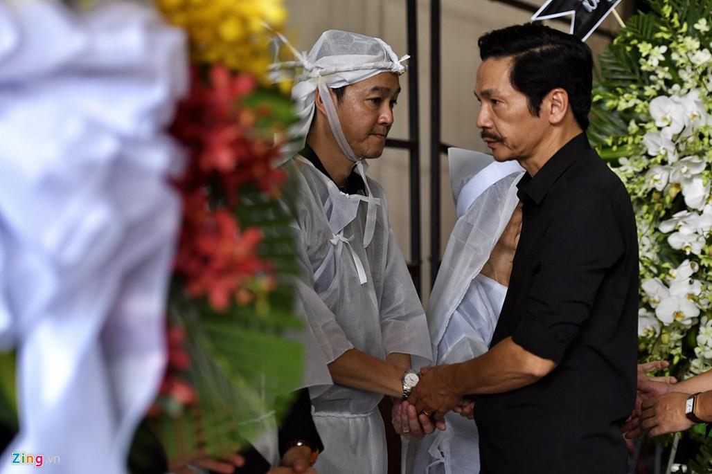 NSND Trà Giang, Trung Anh nghẹn ngào đến viếng nghệ sĩ Thế Anh-8