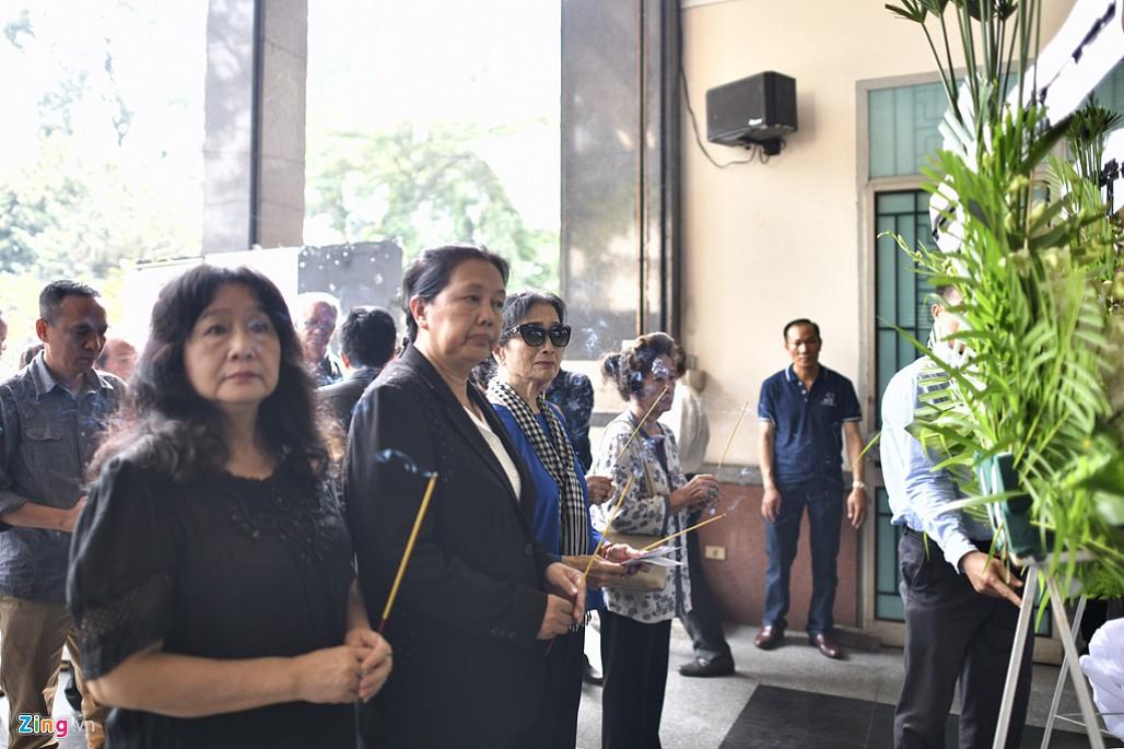 NSND Trà Giang, Trung Anh nghẹn ngào đến viếng nghệ sĩ Thế Anh-5
