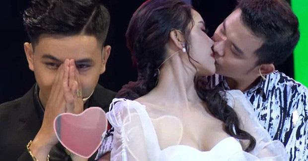 Hoa khôi bị ném đá vì hôn bạn diễn trong show hẹn hò phải đi truyền nước vì quá stress-1