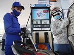 Ngày mai, giá xăng có thể giảm tiếp-2