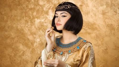 Không chỉ thông minh sắc sảo, nhờ có bí kíp này Cleopatra khiến đàn ông mê mệt-2