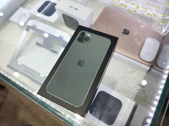 iPhone XS Max ế ẩm trước cơn bão iPhone 11 Pro Max tại Việt Nam-1