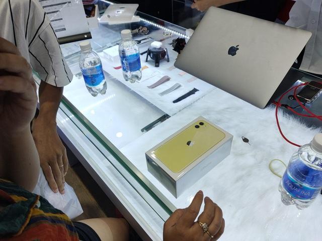 iPhone XS Max ế ẩm trước cơn bão iPhone 11 Pro Max tại Việt Nam-2
