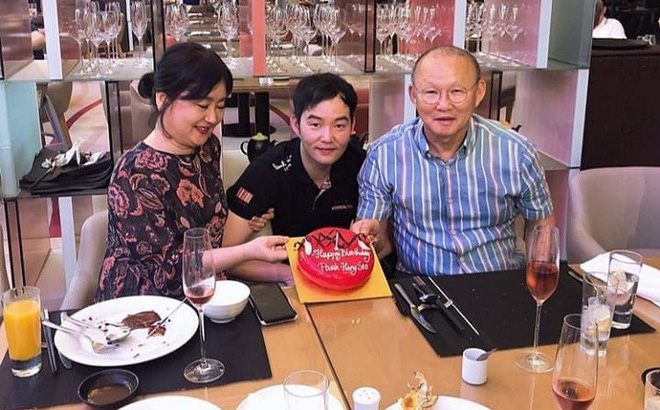 Nhân dịp sinh nhật bố, con trai thầy Park nói lời đặc biệt với CĐV Việt Nam và Xuân Trường-1