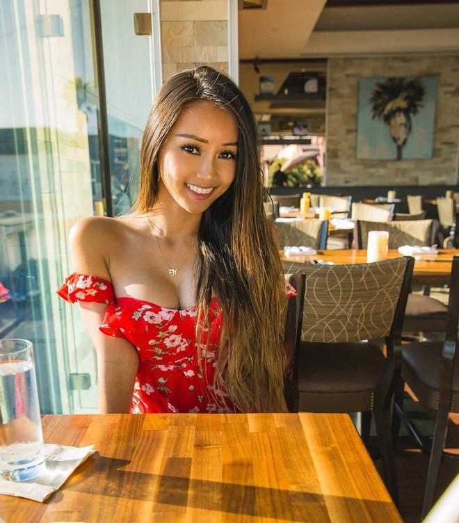 Nhan sắc của hot girl Việt nổi tiếng khắp thế giới vì quá nóng bỏng, quyến rũ-2