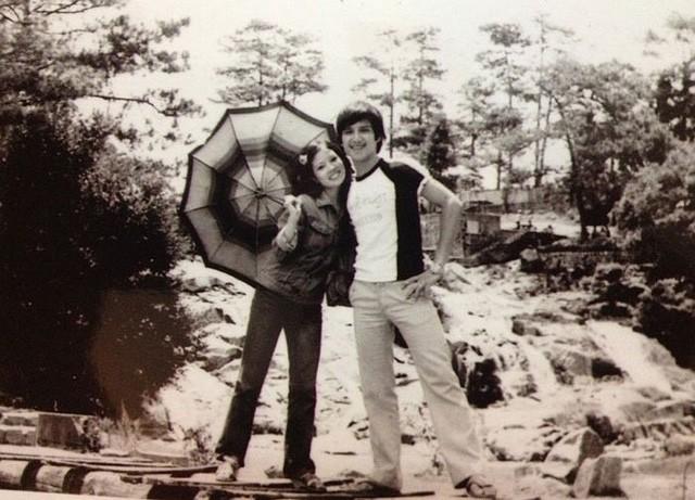 Bất ngờ với hình ảnh thời trẻ hiếm có của những danh hài nổi tiếng Việt Nam: Hóa ra ai cũng có lúc cực hài hước thế này-11