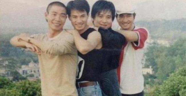 Bất ngờ với hình ảnh thời trẻ hiếm có của những danh hài nổi tiếng Việt Nam: Hóa ra ai cũng có lúc cực hài hước thế này-16