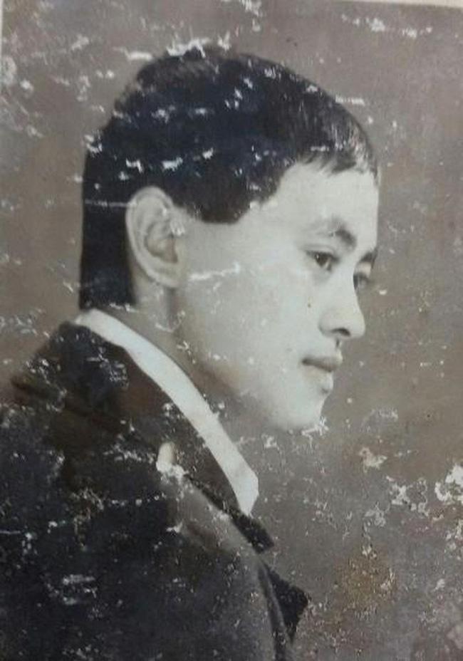Bất ngờ với hình ảnh thời trẻ hiếm có của những danh hài nổi tiếng Việt Nam: Hóa ra ai cũng có lúc cực hài hước thế này-19